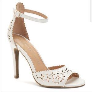 LC Lauren Conrad White Floral High Heel